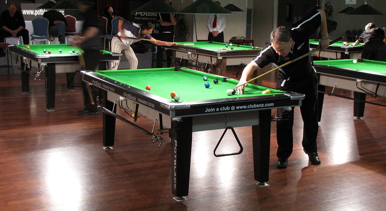 PotBlack Tournament Pool Table